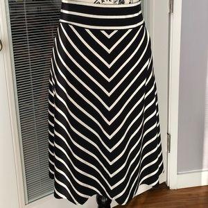 Ann Taylor B&W Chevron Knit Circle Skirt